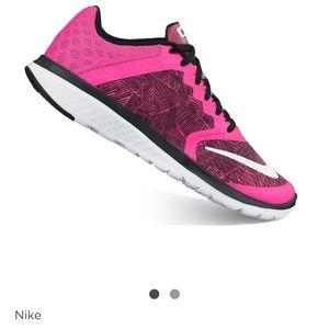 🔥Nike 🔥FS Lite Run 3 women's running shoe sz 7.5